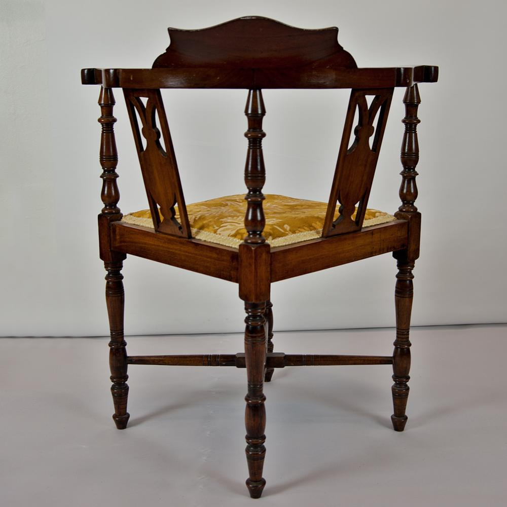 Antique Furniture : Chairs And Sofas